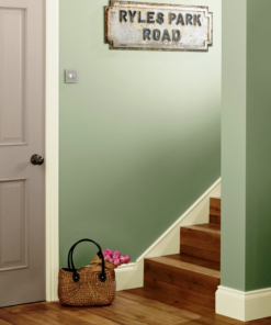 Пoчистваща се боя Crown Hall&Stairs Mellow green
